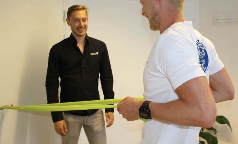 Genoptræning af nakke, ryg og sportsskader i Århus. Vores fysioterapeuter står klar til at hjælpe dig igennem alle faser af din genoptræning