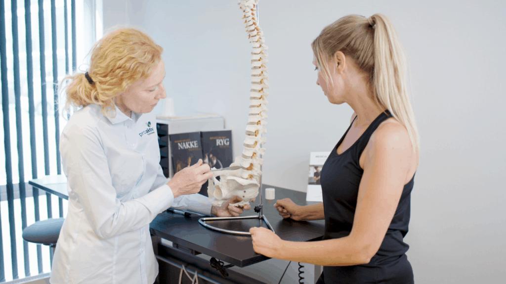 Århus Rygkliniks fysioterapeuter undersøger og behandler rygsmerter, nakkesmerter, diskusprolaps og andre lidelser fra bevægeapparatet