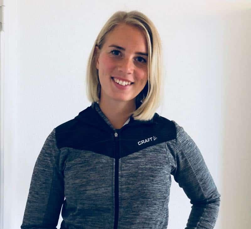 Træn dig ud af rygsmerter med autoriseret fysioterapeut Katrine Brorsbøl.